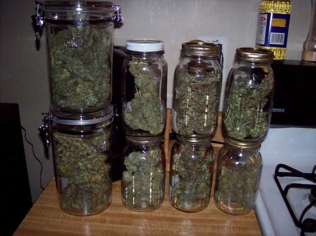 conserve weed jar